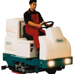 HIRE SCRUBBER DRIER BATTERY RIDE ON 34""